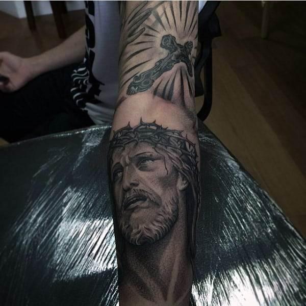 tattooed-male-christians-designs