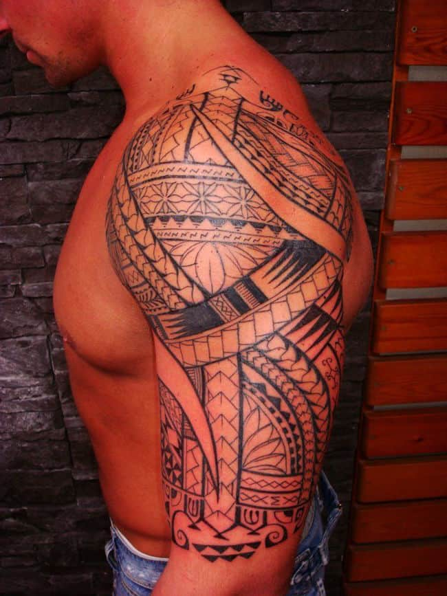 Arm-Tattoo-of-Polynesian-Maori-style-for-Men-representing-one-mixture-of-more-than-one-hundred-Polynesian-Maori-Symbols-Bands