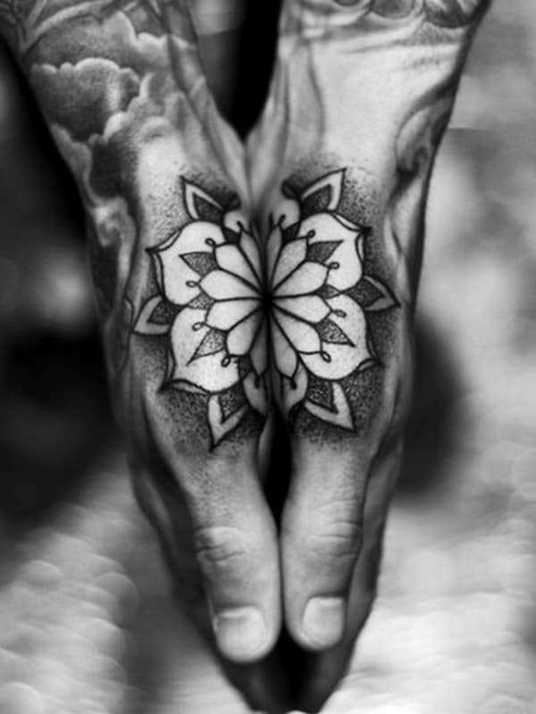 hand-Tattoo-19