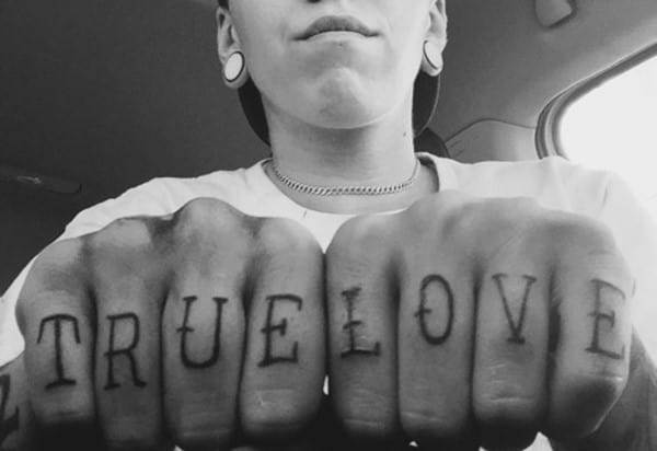 hand_tattoos_43