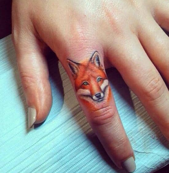 28-fox-finger-tattoo