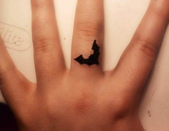 56-Bat-Tattoo-on-Finger