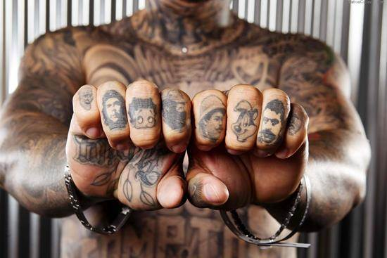 5369-finger-tattoos-daily-dose-of-tattoo-design-1800x1200