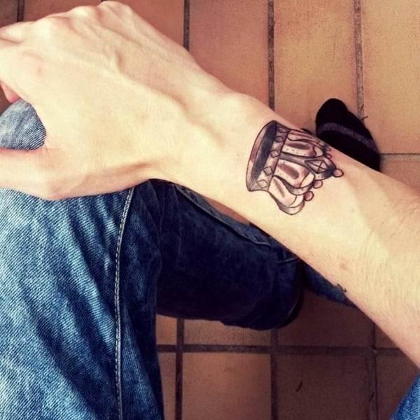 crown-tattoo-20-650x650