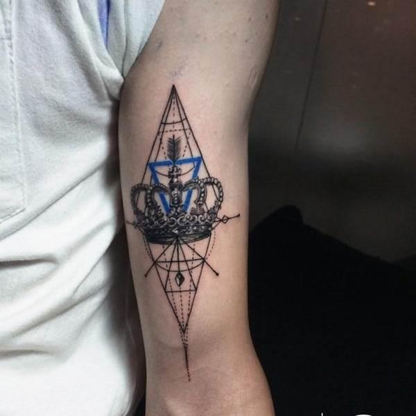 crown-tattoo-5-650x650