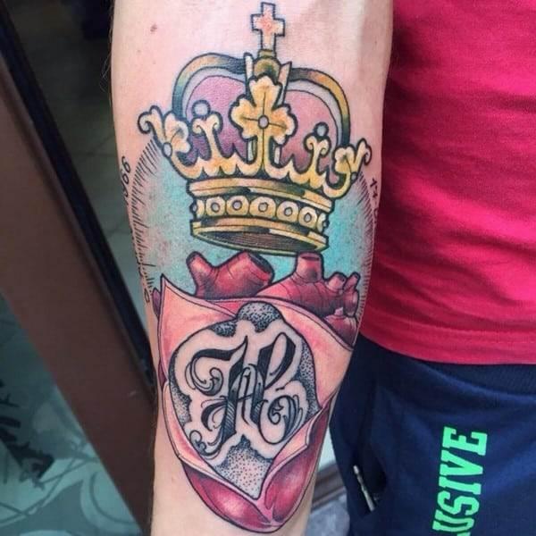 crown-tattoo-25-650x650