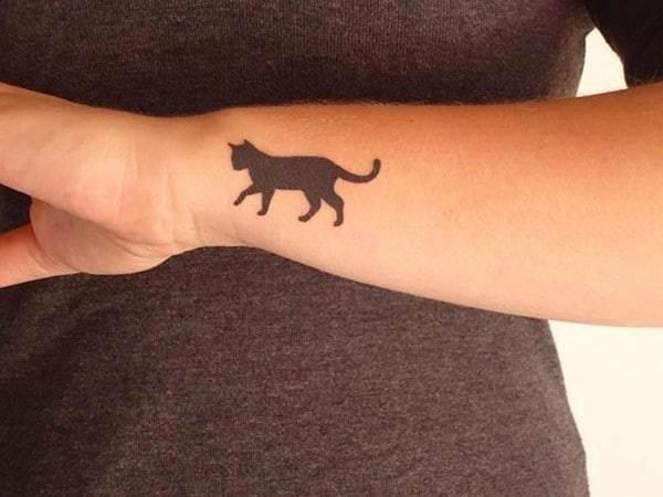 AD-Minimalistic-Cat-Tattoos-10