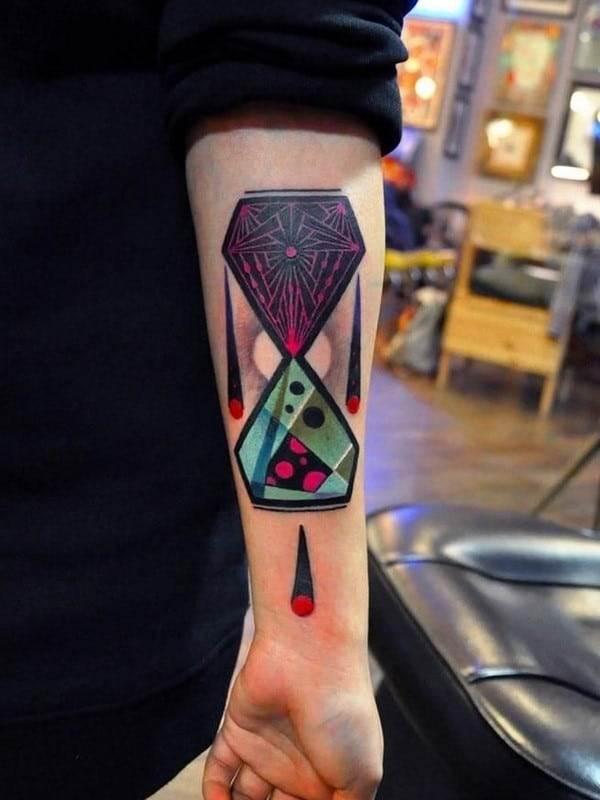 hourglass-tattoo-25