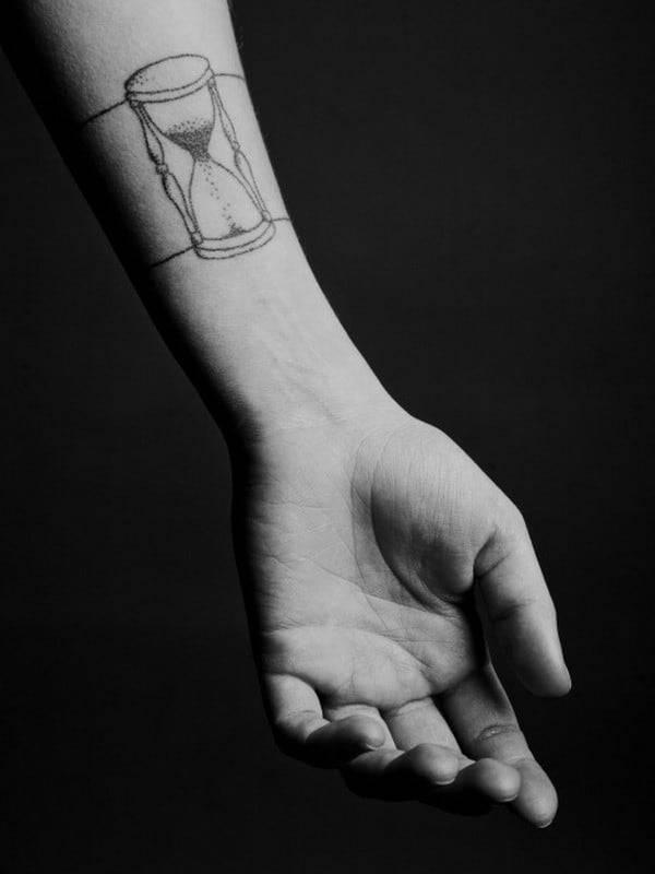 hourglass-tattoo-34