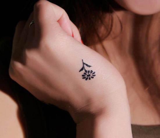 31-Small-Flower-Tattoo1