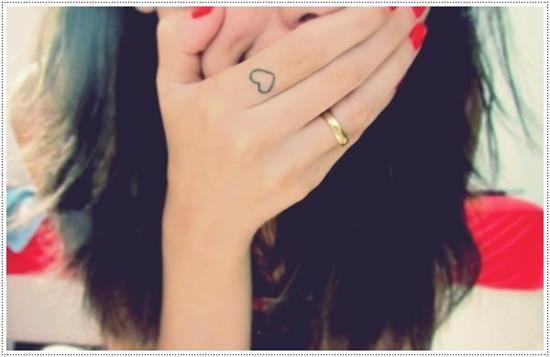 small-heart-tattoo