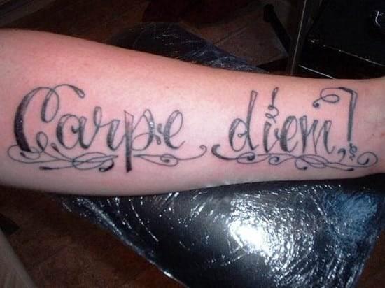 corsiva-carpe-tattoo