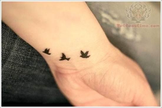 Swallow-tattoo-designs-3