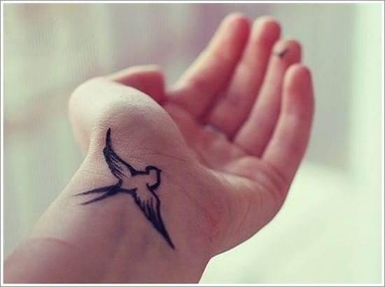 Swallow-tattoo-designs-10