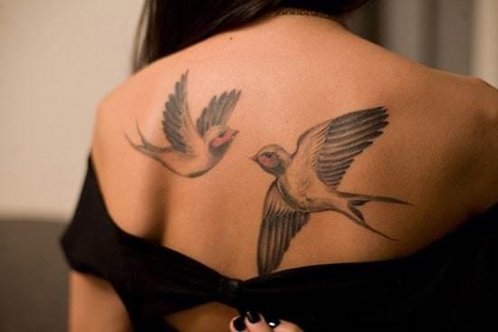 9-swallow-back-tattoo