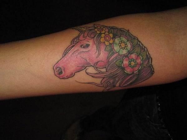 hand-horse-tatt