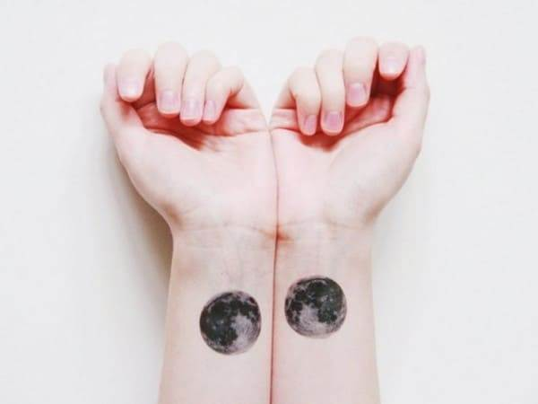 moon-tattoo-19-650x488