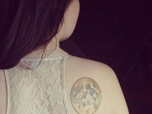 moon-tattoo-15-650x488