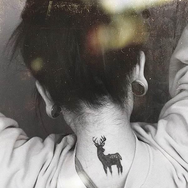 13-Deer-Tattoo-on-Neck