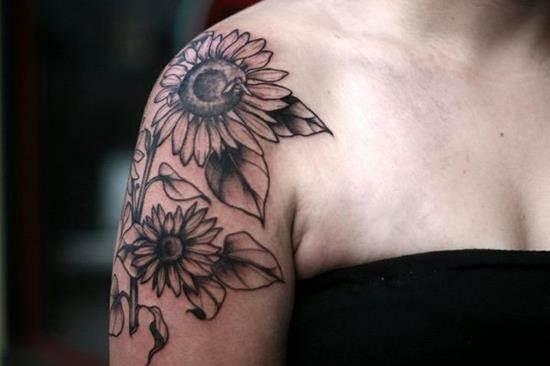 44-sunflower-shoulder-tattoo