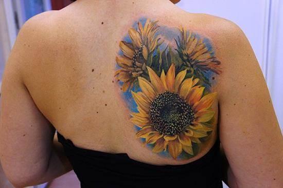 2-sunflower-tattoo-on-back