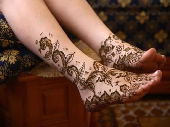 46-henna-tattoo-on-feet600_450