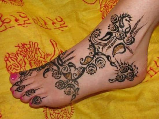 17-henna-on-foot600_450