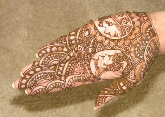 henna-tattoo-hand