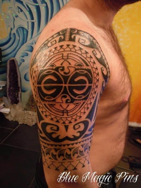 maori tattoo on shoulder