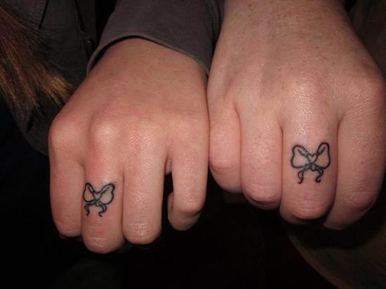 1-Sister-Love-finger-tattoo