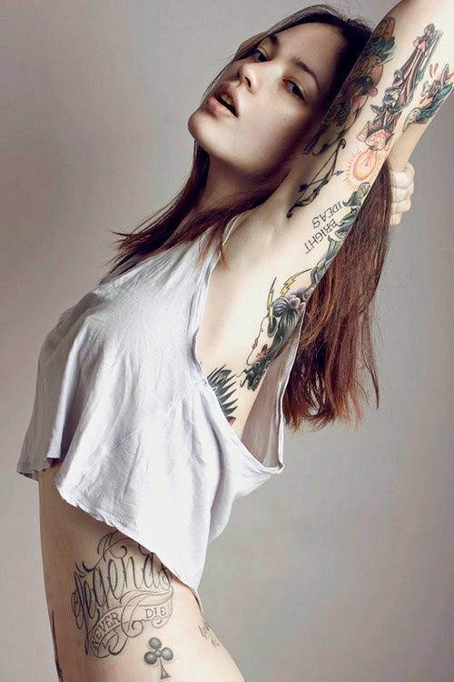 Sexy Tattoos for Girls.33