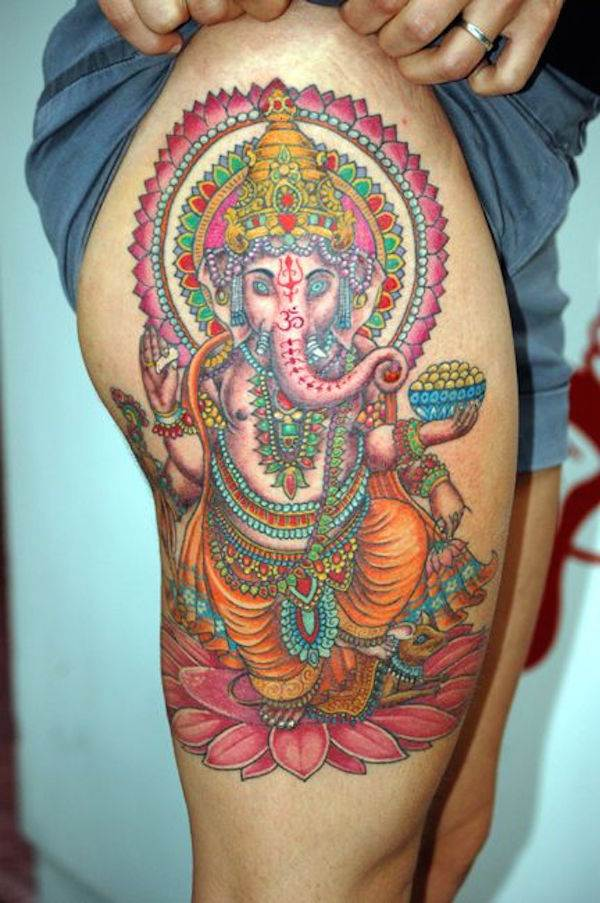 Thigh Tattoos for Women.17
