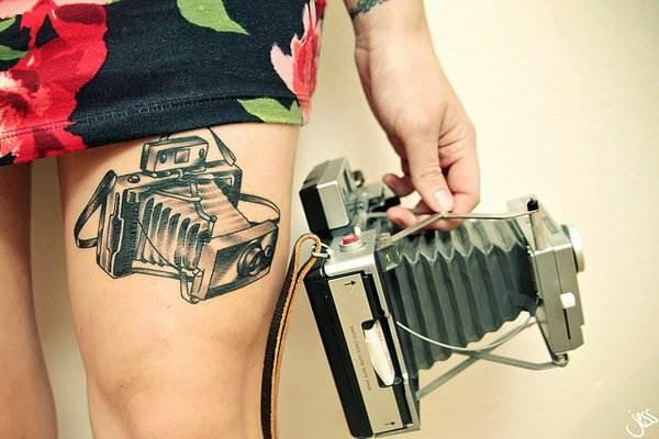 Thigh Tattoos for Women.37