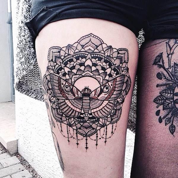 Thigh Tattoos for Women.31