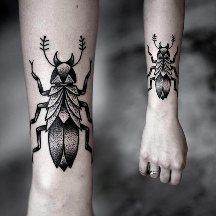 Hand Tattoos for Women.11