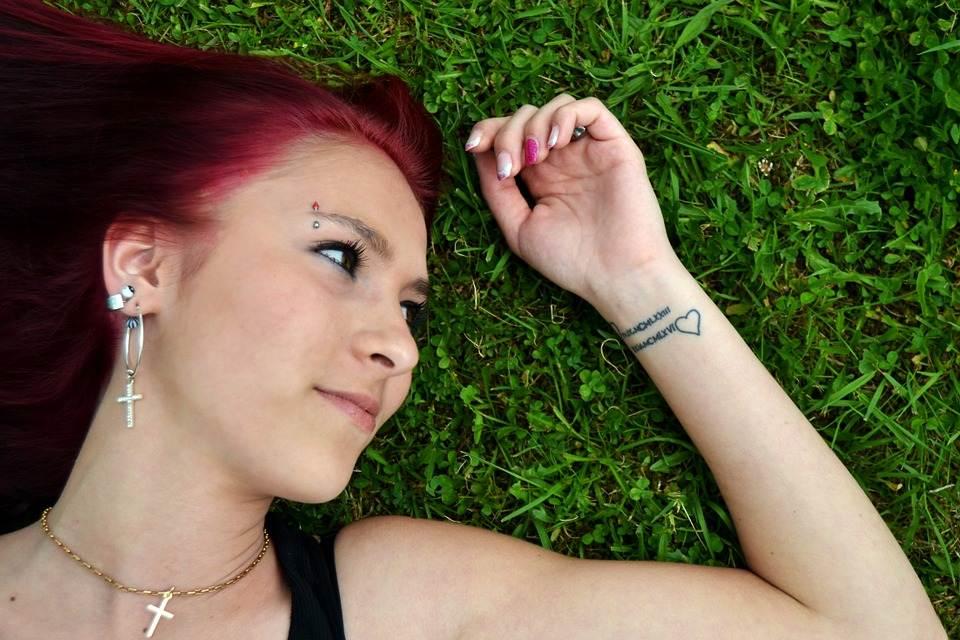 Hand Tattoos for Women.19