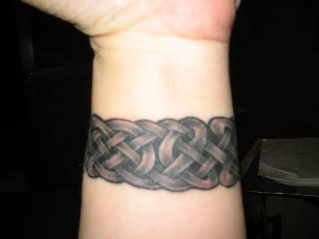 Hand Tattoos for Women.23