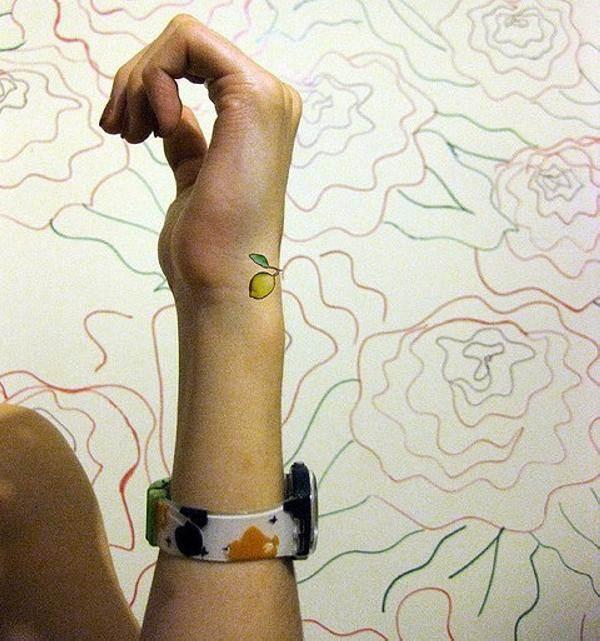 Hand Tattoos for Women.43