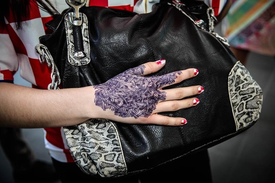 Hand Tattoos for Women.51