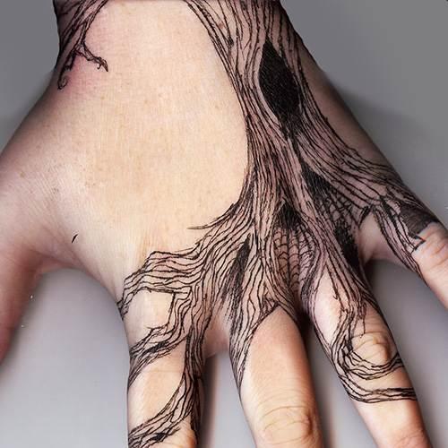Hand Tattoos for Women.53