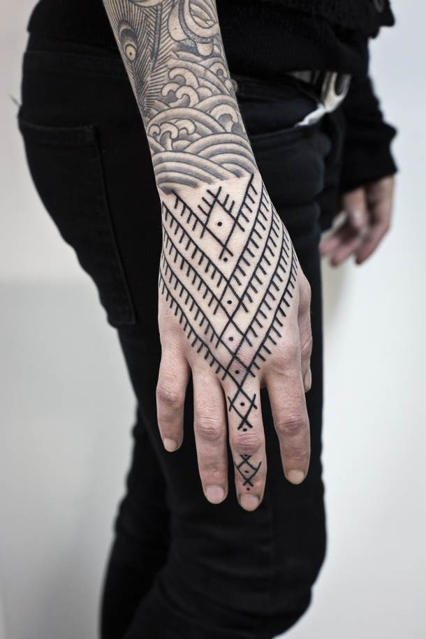 Hand Tattoos for Women.56