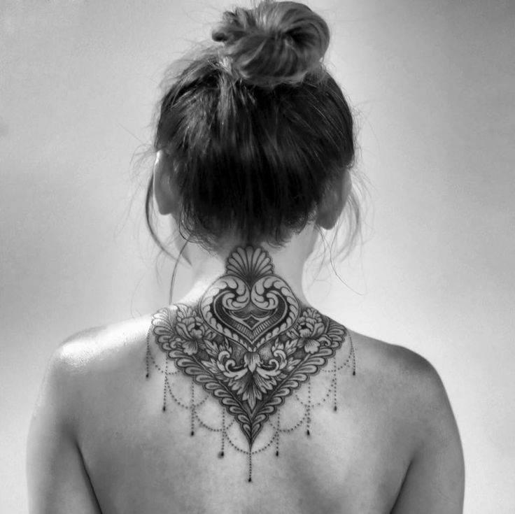 neck tattoos.28
