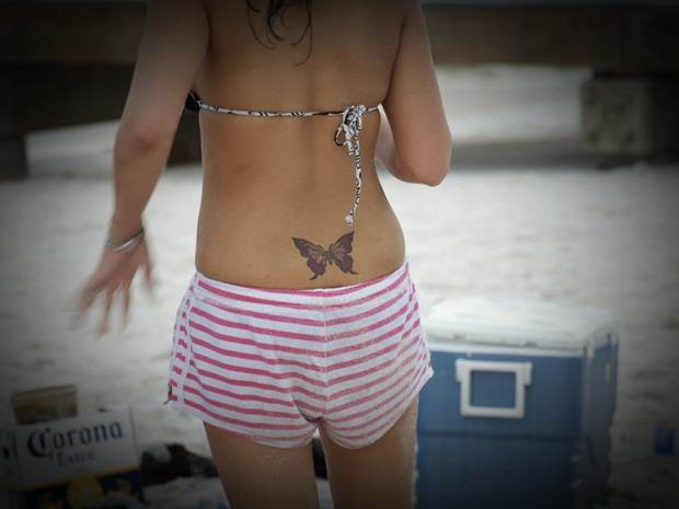 Sexy Lower Back Tattoos for Women (17)