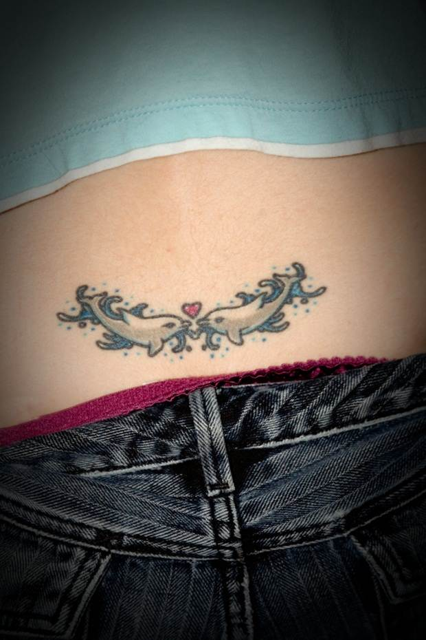 Sexy Lower Back Tattoos for Women (27)