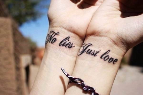 Relevant Small Tattoo Ideas and Designs for Girls0231