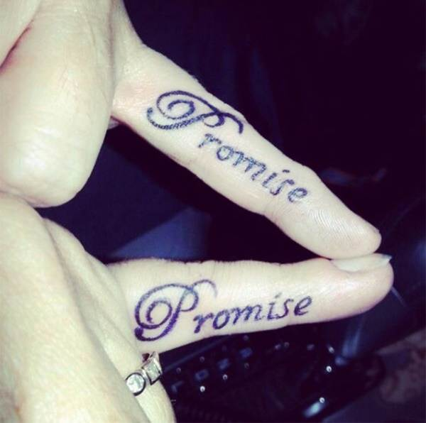 Relevant Small Tattoo Ideas and Designs for Girls0331