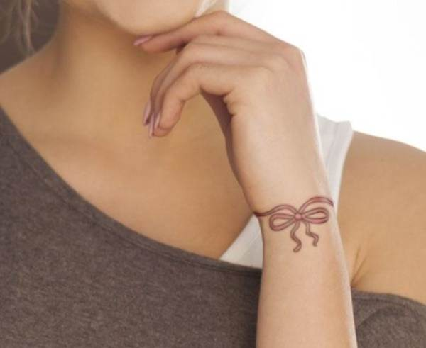 Relevant Small Tattoo Ideas and Designs for Girls0421