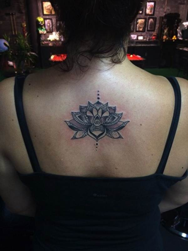 Relevant Small Tattoo Ideas and Designs for Girls0661