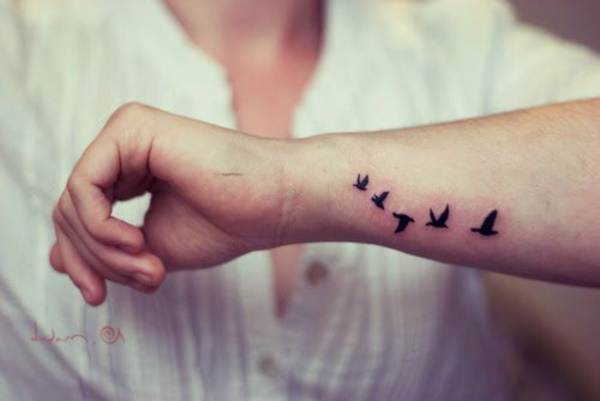 Relevant Small Tattoo Ideas and Designs for Girls0681