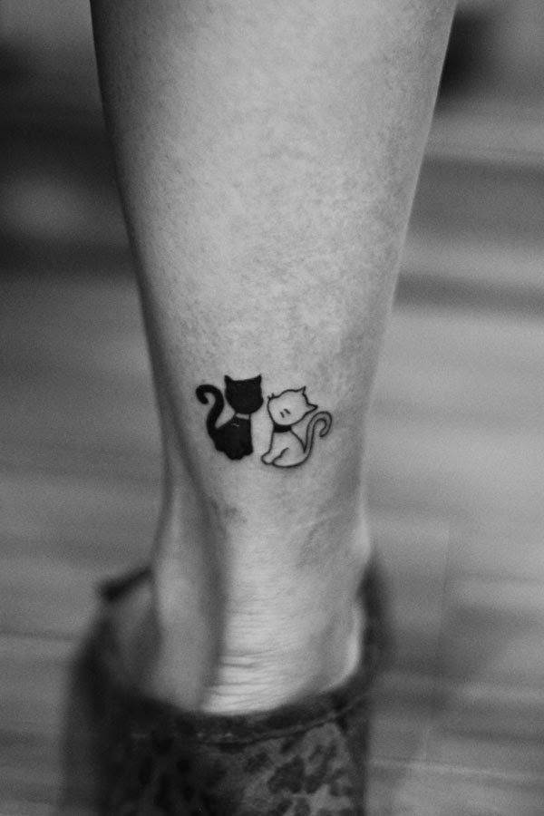 Relevant Small Tattoo Ideas and Designs for Girls0741